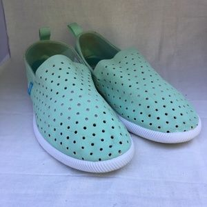 Native Venice Shoes Green Slip On Mens 7 W. 9
